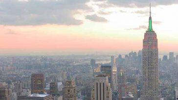 Photograph of the New York City skyline.