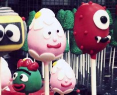 Photograph of Yo Gabba Gabba inspired cake pops treats.