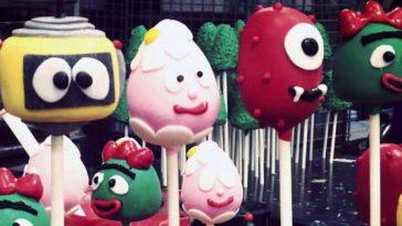 Photograph of Yo Gabba Gabba inspired cake pops treats.
